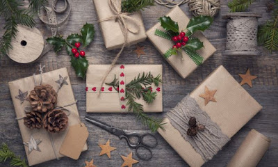 trik membungkus kado natal
