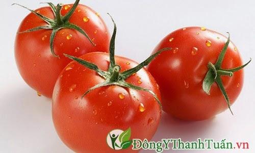 Ăn cà chua khi đói dễ bị đau dạ dày