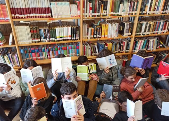 Bibliotecas Escolares de Almada - Estamos ON - Revista nº1 cover image