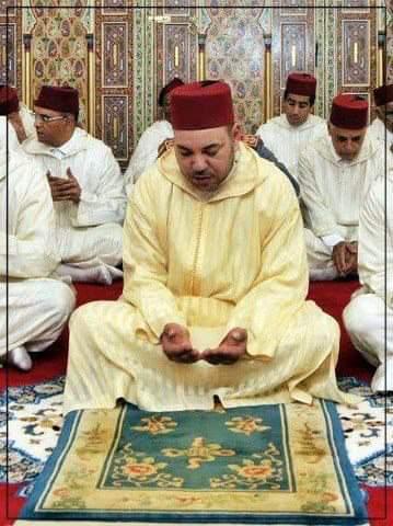 """دعاء رفع  هذا البلاء """"كورونا"""" الخطير على بلاد المسلمين .. هكذا يواجه المسلمون «كورونا»"""