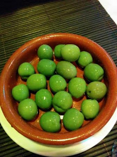 To-be-restaurant-olives