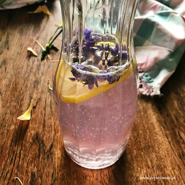 Kwiatowa lemoniada