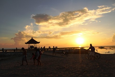 Pesona Keindahan Objek Wisata Pantai Sindhu Sanur Denpasar