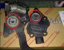 قد يسبب تلف دعسة البنزين الكهربائية الكثير من المشاكل و خصوصاً في عداد ال RPM  و مدى تجاوب السيارة