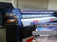 Mengenal Perbedaan Mesin Digital Printing Indoor dan Outdoor dalam Percetakan