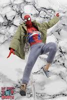 MAFEX Spider-Man (Peter B Parker) 48