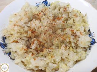 Salata de varza acra reteta de casa cu ulei piper si boia retete culinare salate mancare murata,