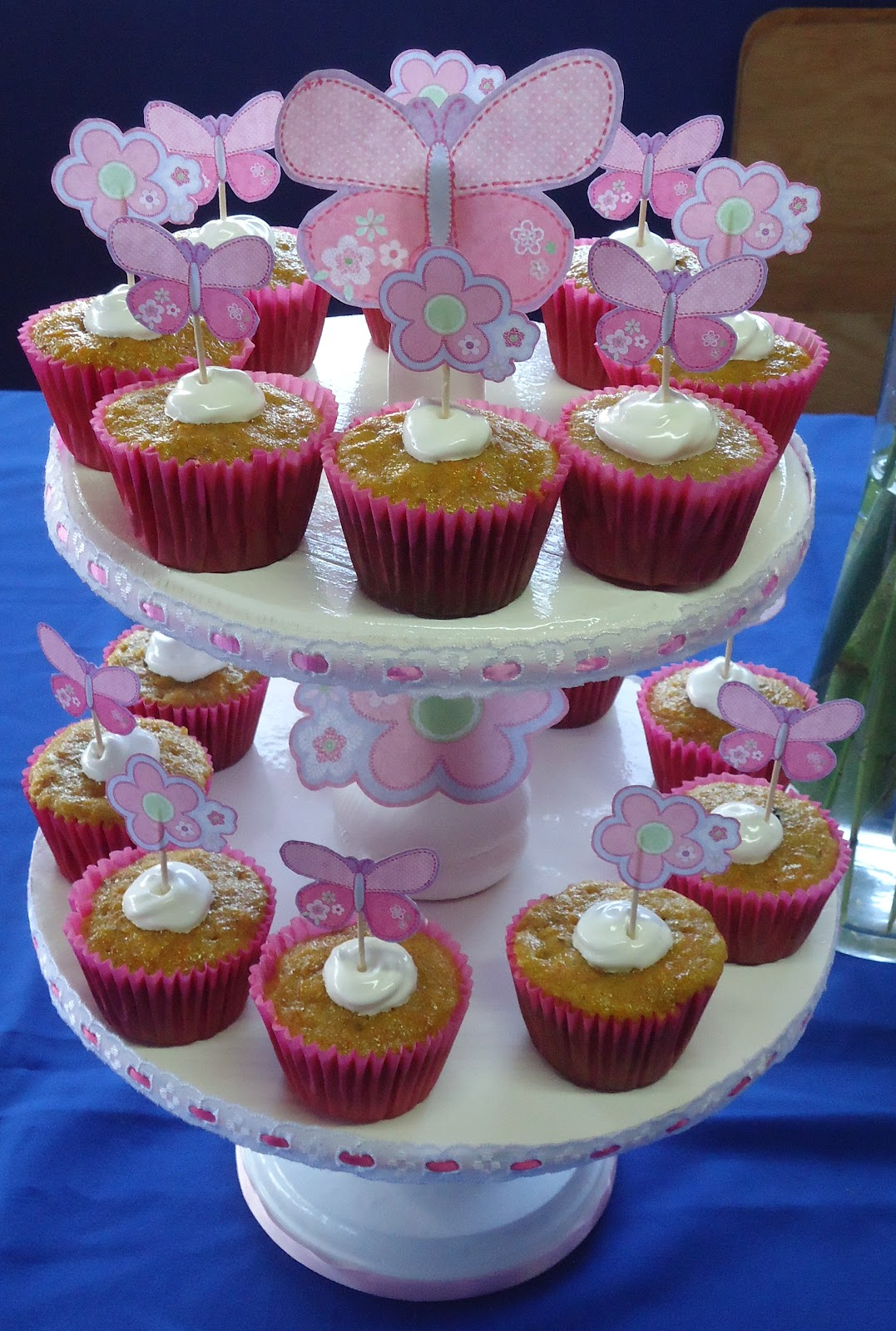 Como Decorar Kekitos Cupcakes Con Mariposas Bed Mattress Sale
