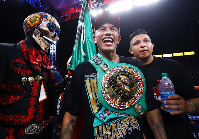 Miguel Berchelt Celebratea Eleazar Valenzuela win
