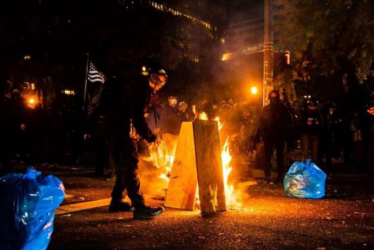 Demonstran Merusak Gereja Katolik yang Bantu Warga Miskin di Oregon