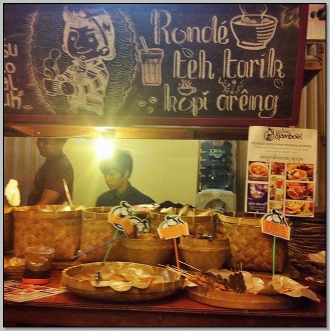 Tempat Makan Enak Di Surabaya Angkringan Pak Djamboel Firmankasan Com