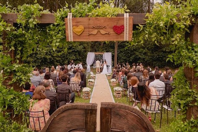 tapetes-e-passarelas-criativos-para-cerimonia-de-casamento