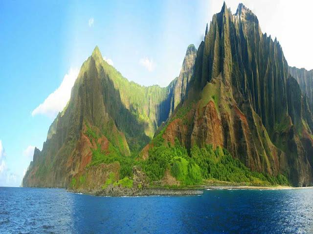 The coastal region of Na Pali, Hawaii