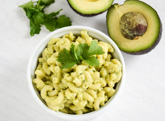 VEGAN AVOCADO MAC AND CHEESE #vegan #dinner