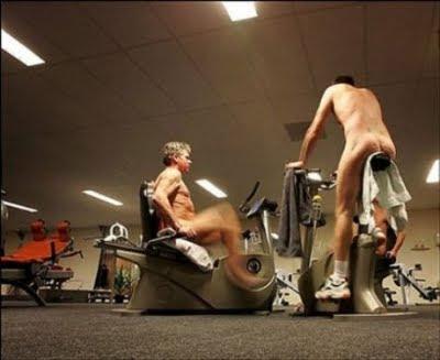Γυμναστήριο για... γυμνιστές!