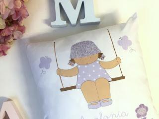 Cojines infantiles personalizados con nombre