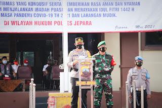 Dandim 0719/Jepara Bersama Kapolres Jepara Pimpin Apel Gelar Pasukan Ops Ketupat Candi 2021
