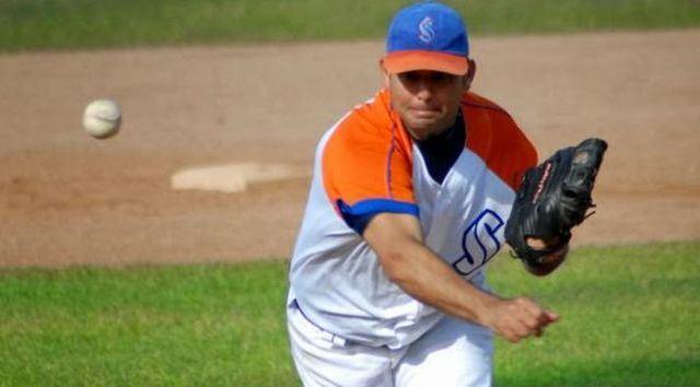 Ángel Peña, tras permitir una anotación en la 1ra entrada, lanzó hasta la quinta a ritmo de seis hits y tres ponches sin más libertades, para llevarse la sonrisa