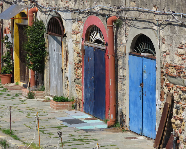 The doors of some cantinas, Scali delle Cantine, Livorno