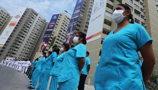 Martín Vizcarra saluda a enfermeras y enfermeros por su día
