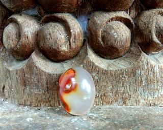 Batu Mustika Buka Aura Pesona
