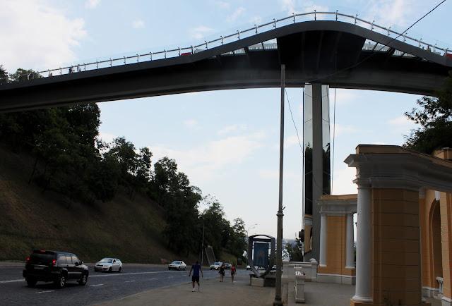 Опора нового моста на Владимирском спуске