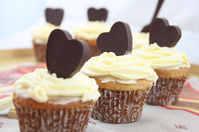 cupcakes-de-cafe, coffee-cupcakes, buttercream-de-chocolate-blanco