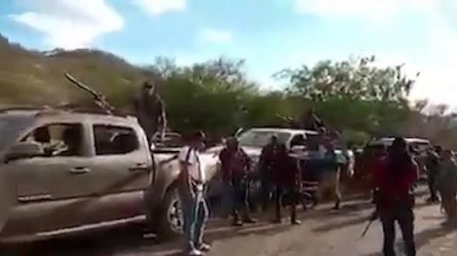 A plena luz del día Sicarios de Carteles Unidos unen filas en Caravanas para enfrentarse al CJNG
