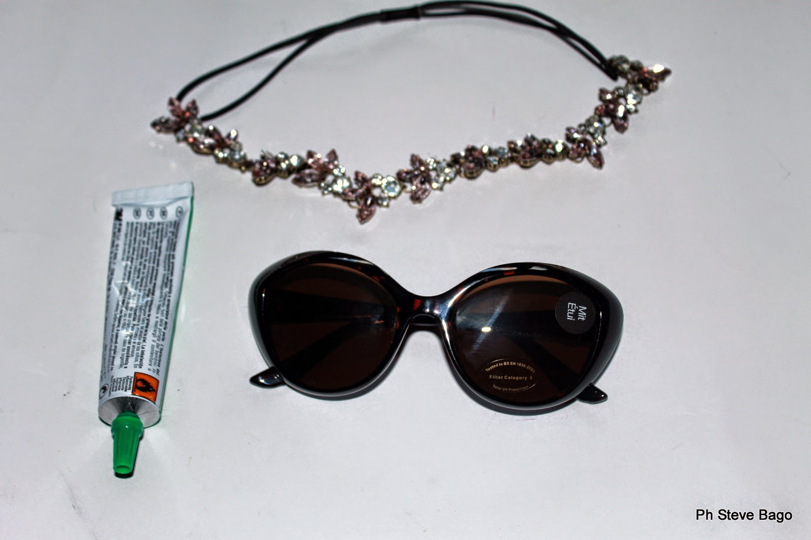 come fare occhiali da sole, themorasmoothie, fashion, fashionblog, fashionblogger, diy, diyblogger, fashion diy, tutorial, craft, tutorial occhiali, tutorial sunglasses, diy dsquared2, dsquared2, diycraft, diyproject, occhiali da sole fashion, fashion sunglasses, italianblogger, blogger, swarovski