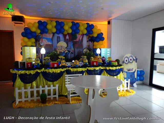 Decoração mesa de aniversário com o tema Minions para festa infantil - Barra - RJ