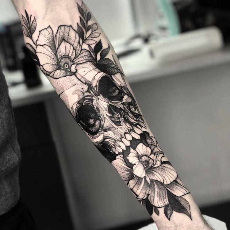Imagen de un tatuaje puntillista para mujer