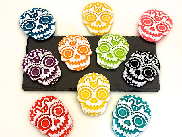 day-of-the-dead-skull-easy-halloween-cookies-fred-sweet-spirits-Día-de-Muertos
