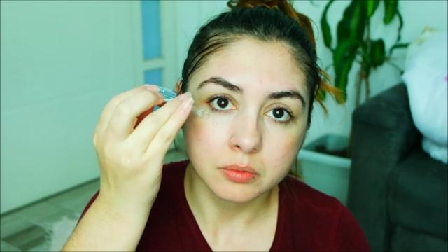 esfoliação facial, pele oleosa, sabonete facial, ácido salicílico, silício orgânico, massagem facial, ácido hialurônico, cuidados com a região de olhos