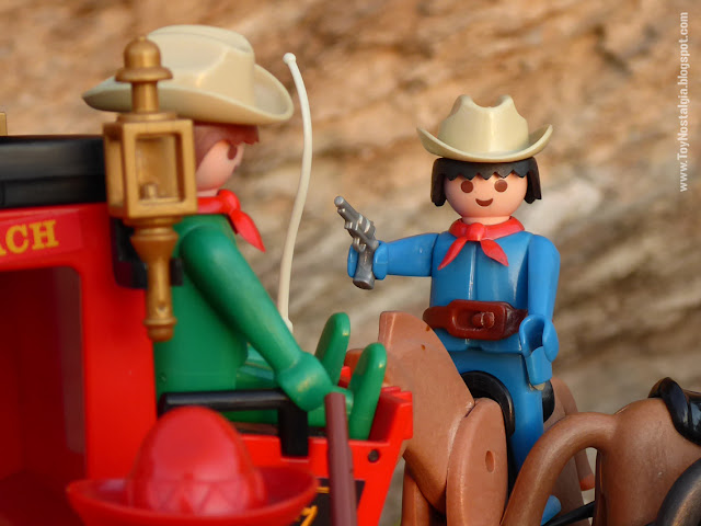 stagecoach Playmobil 3245 and blue cowboy Playmobil 3241