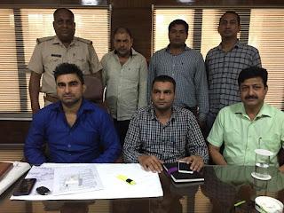 क्राइम ब्रांच प्रभारी संदीप मोर और रविंदर की टीम ने जान से मारने की धमकी और फिरौती मांगने वाले युवक को किया गिरफ्तार