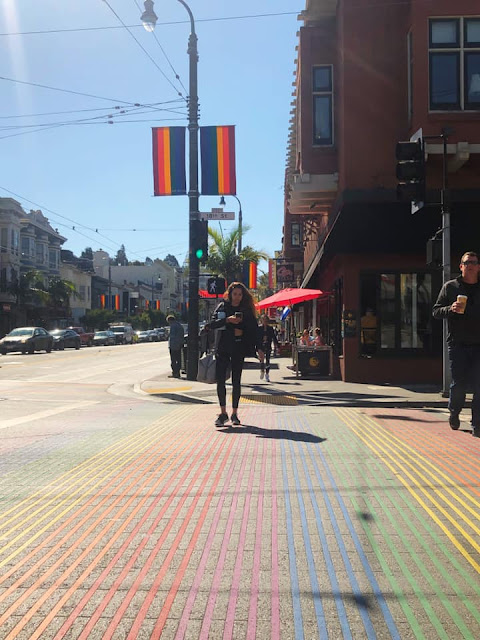 Balade à Castro Street cœur de la communauté gay de San Francisco