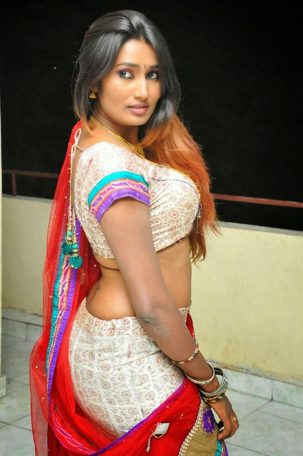 Telugu New Actress Swathi Naidu Navel Show Spicy Photo -6619