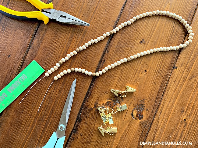 How to make a face mask neck chain with a beaded necklace