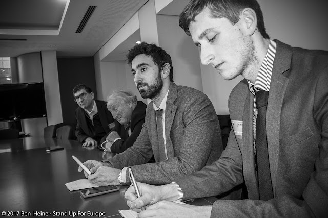 Richard Laub, Pietro De Matteis et Bàlint Gyévai - Students for Europe - Stand Up For Europe - Parlement européen - Photo by Ben Heine