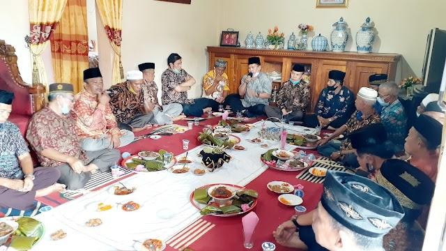 Gagal Duet Di Pilwako, Ahmadi-Hardizal Dikukuh Secara Adat Bersaudara