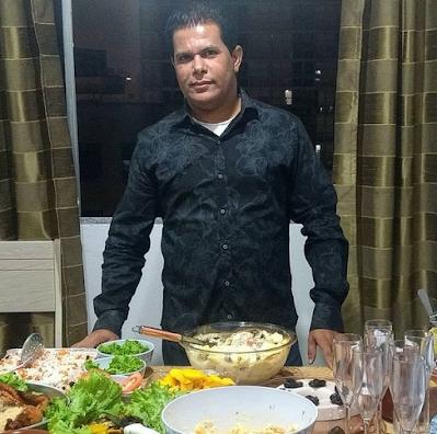 Aniversariante Valdivino Sousa comemora seu aniversário com amigos