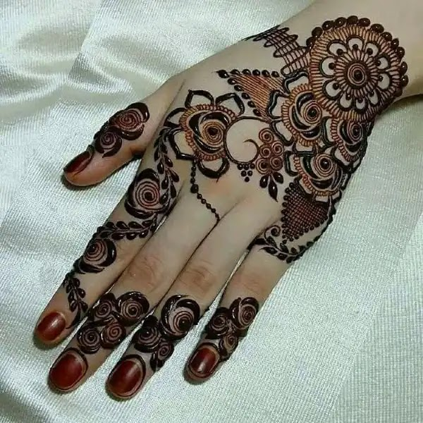 Flowers_with_dots_mehandi_design