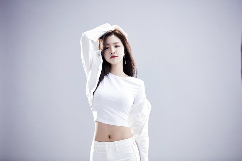Apink's Son Naeun turned sexy for a diet pill CF - ILoveKStars