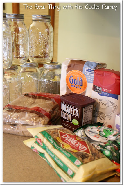 Gift in a Jar {Homemade Christmas Gifts}