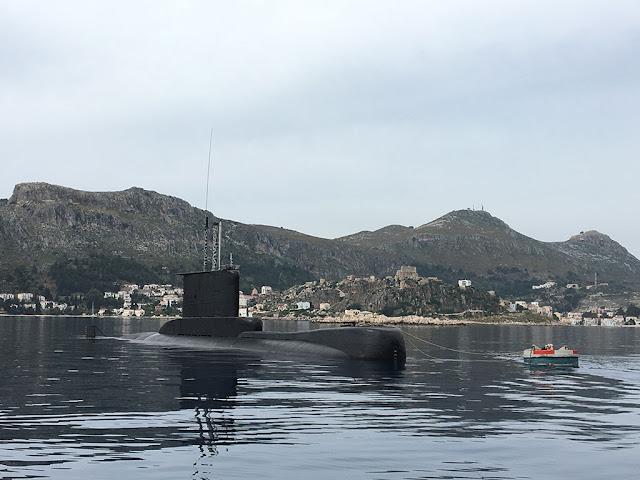 Το υποβρύχιο ΑΜΦΙΤΡΙΤΗ στην Μεγίστη. (Φωτογραφίες από το ΓΕΝ)