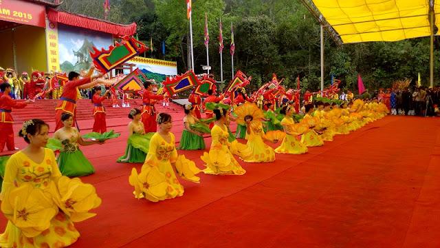Spring in Vietnam is the season of festivals 7