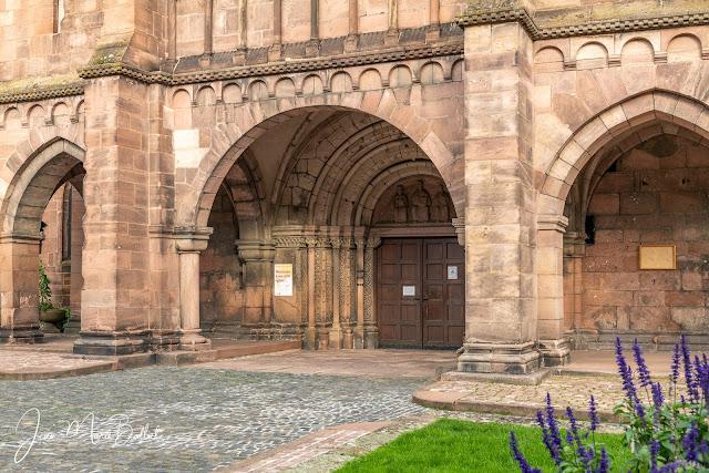 L'église Saint-Léger de Guebwiller : une des plus grandes réalisations de l'architecture romane tardive en Alsace.