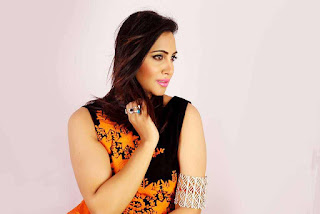 Arshi Khan Pictureshoot Stills For Flynn Remedios 2.jpg