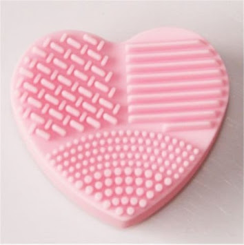https://www.rosegal.com/makeup-brushes-tools/heart-shaped-board-wash-silica-glove-scrubber-up-cosmetic-tools-for-makeup-1894392.html?lkid=12883876