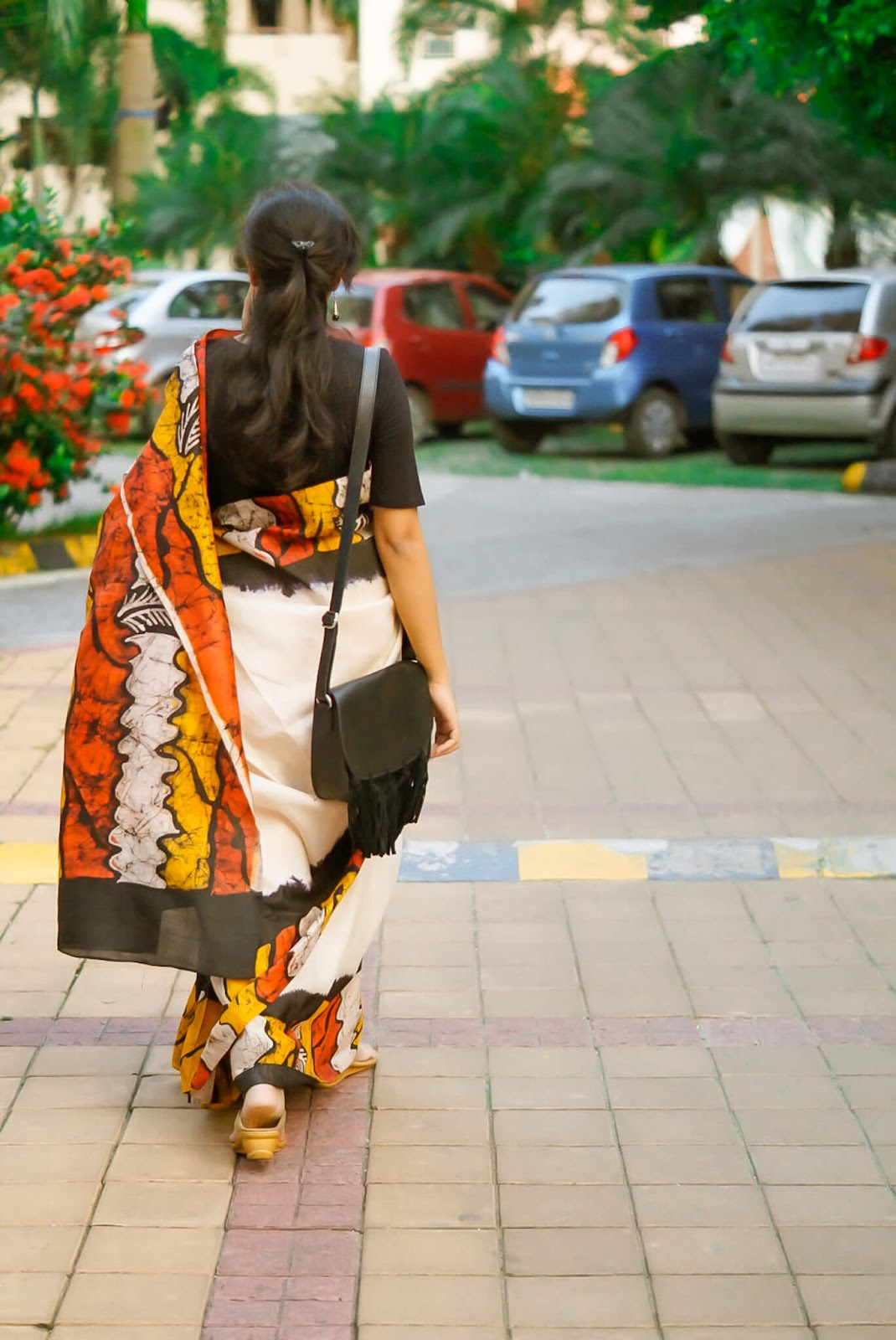 batik saree styling, kolkata style saree